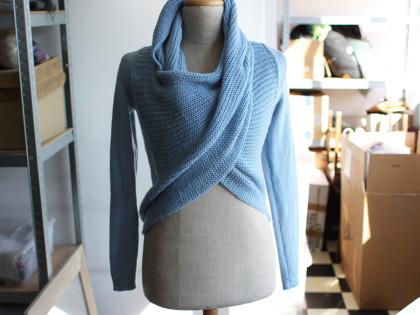 błękitny swetroszal